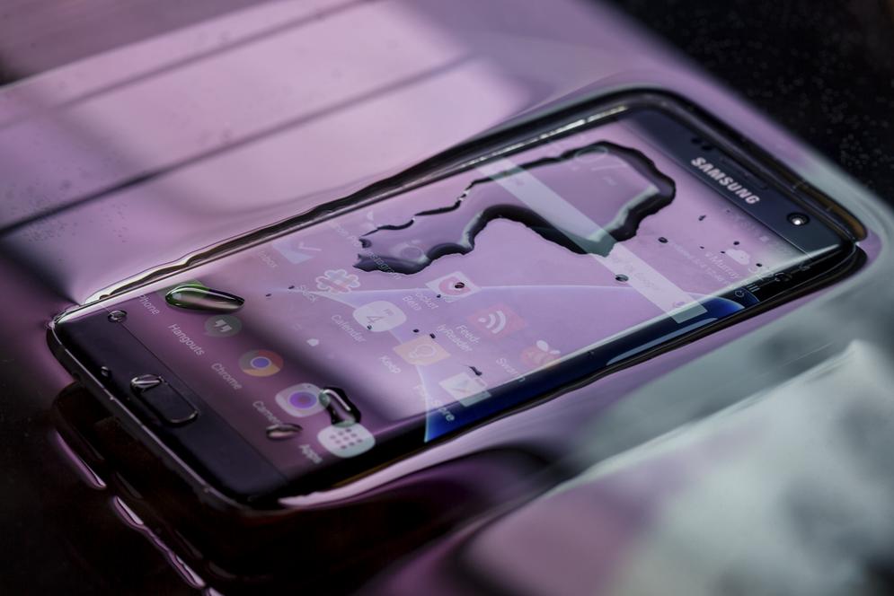 Линейка Samsung Galaxy S7-водонепроницаемость