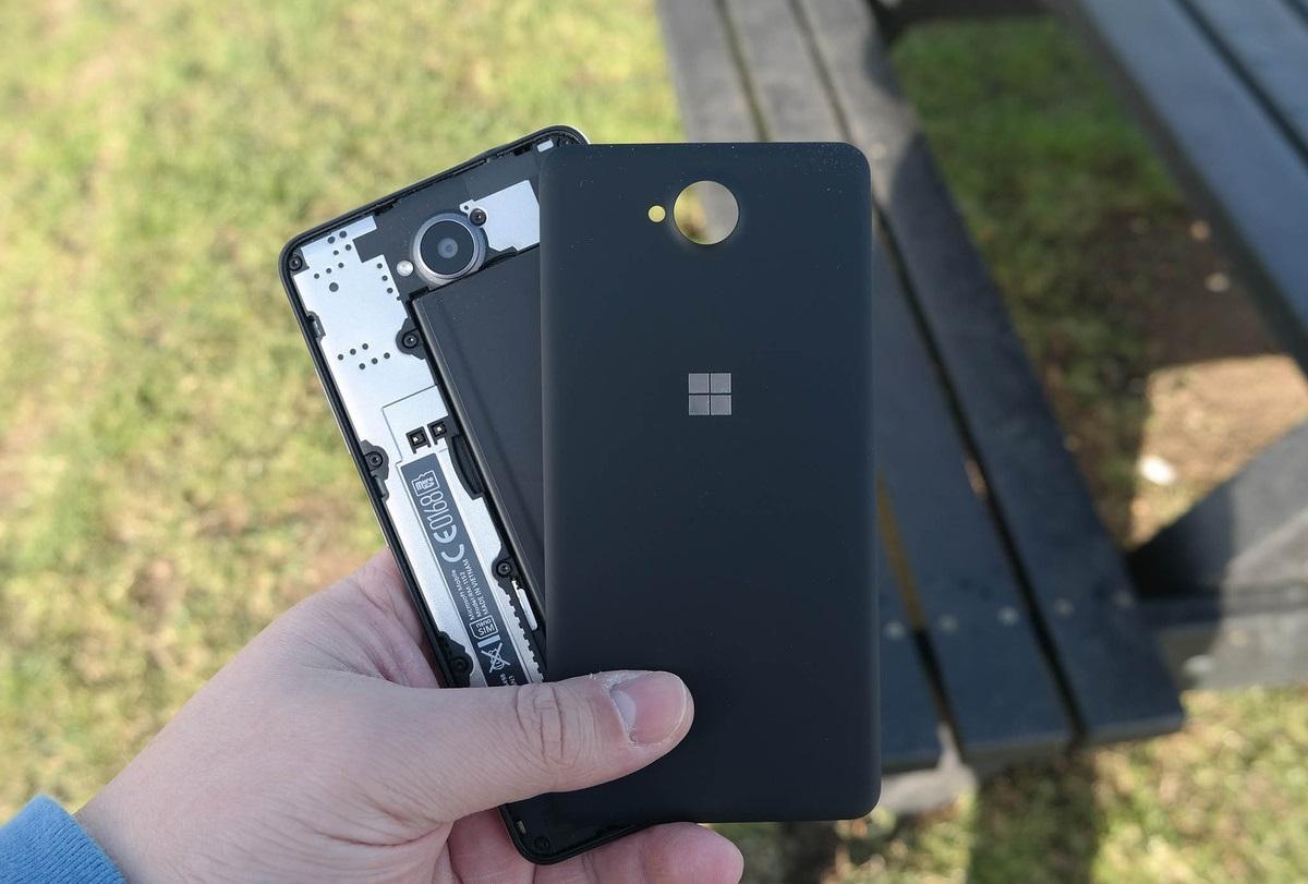 Обзор Microsoft Lumia 650 - аккумулятор