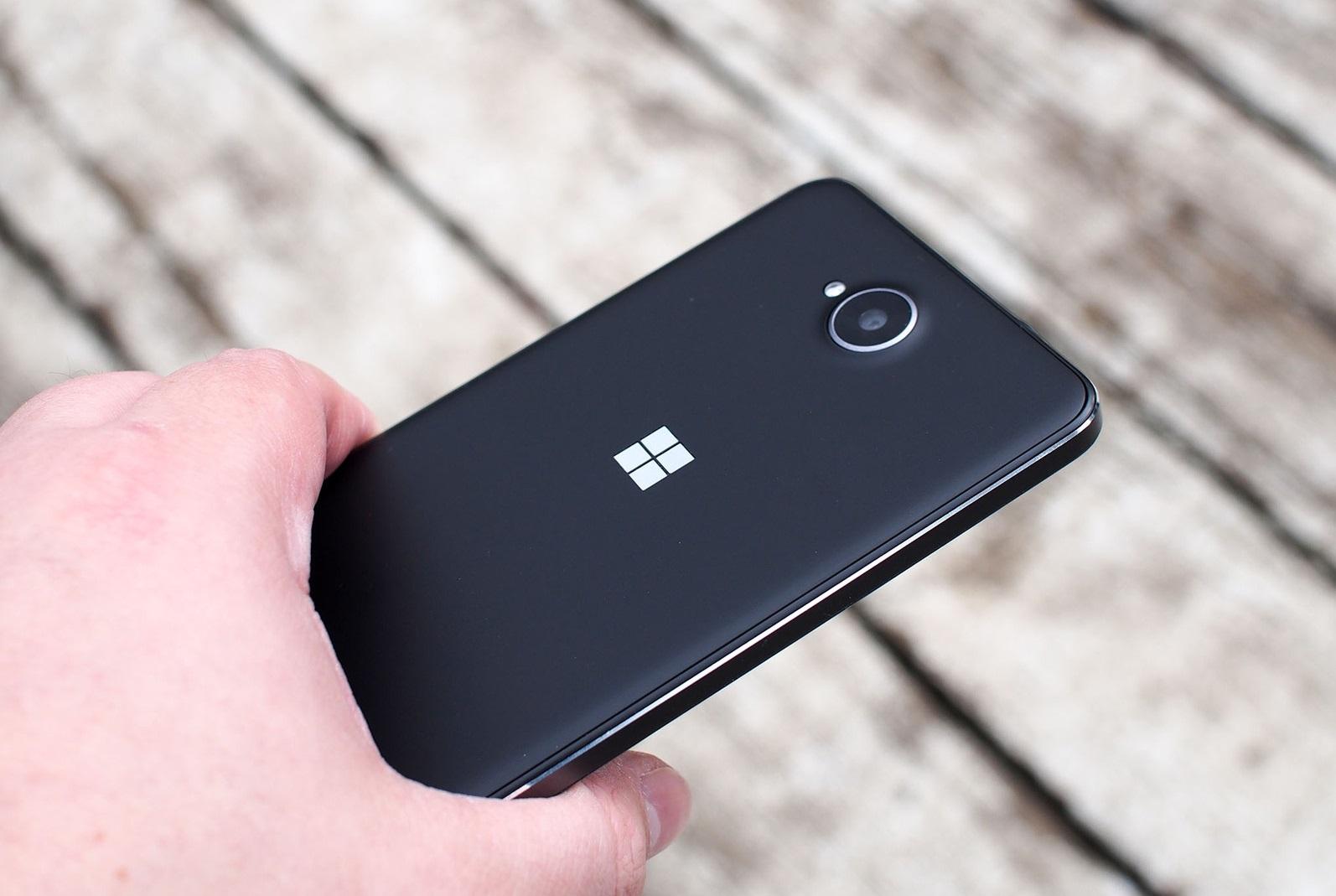 Обзор Microsoft Lumia 650 - основные особенности (2)
