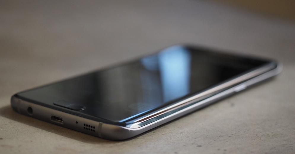 Samsung Galaxy S7 Edge-толщина корпуса и интерфейсы