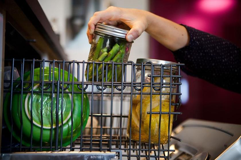 Приготовление пищи в посудомоечной машине-герметичная тара
