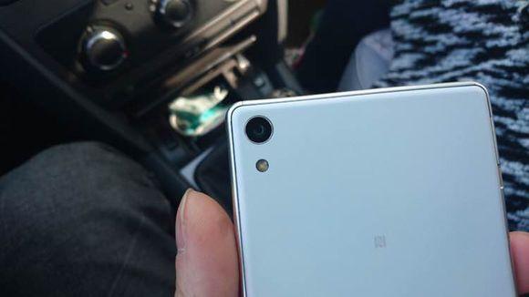 В сеть утекли фотографии 6-дюймового смартфона Sony Xperia C6 - фото 2