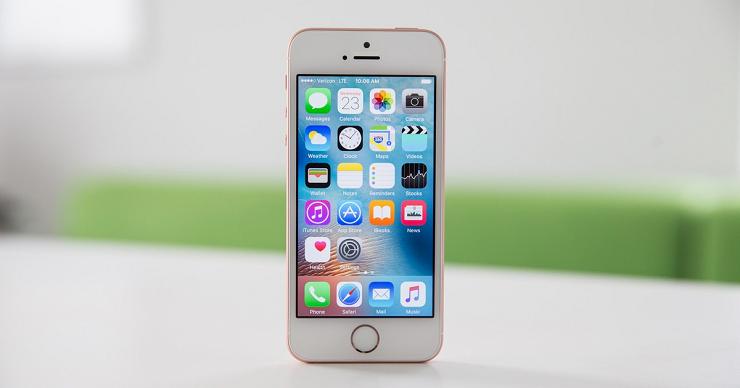 iPhone SE экран