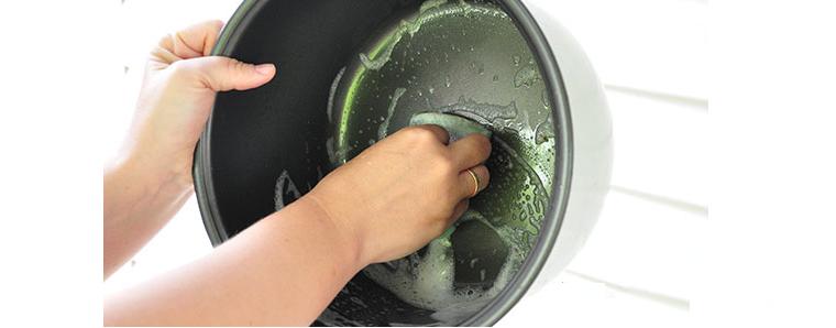 мыть мультиварку