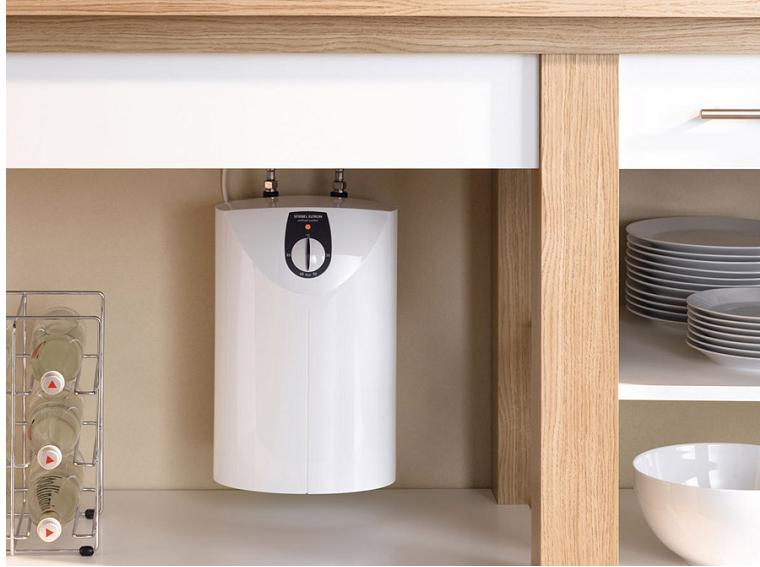 воднонагреватель в интерьере кухни