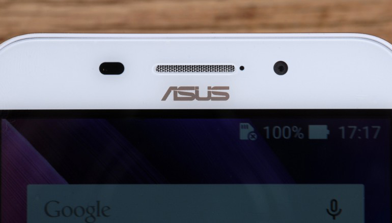 Asus Zenfone Max ZC550KL-фронтальная камера фото 1