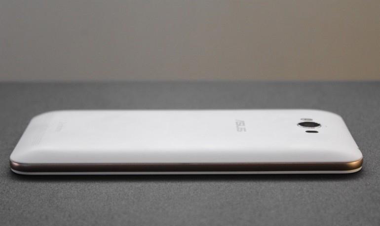 Asus Zenfone Max ZC550KL-левая грань эргономика фото 1