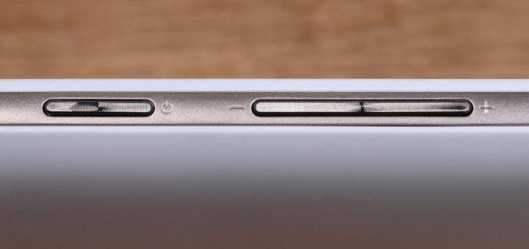 Asus Zenfone Max ZC550KL-механические кнопки управления