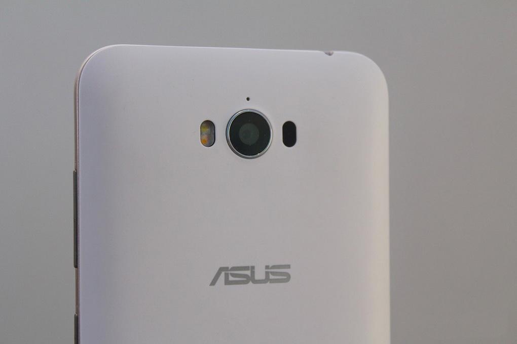 Asus Zenfone Max ZC550KL-основная камера фото 1