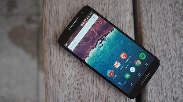 Moto X Play дисплей