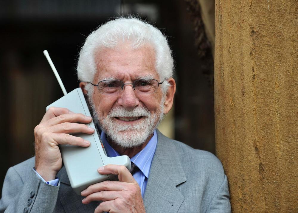 Motorola Dynatac-первый звонок
