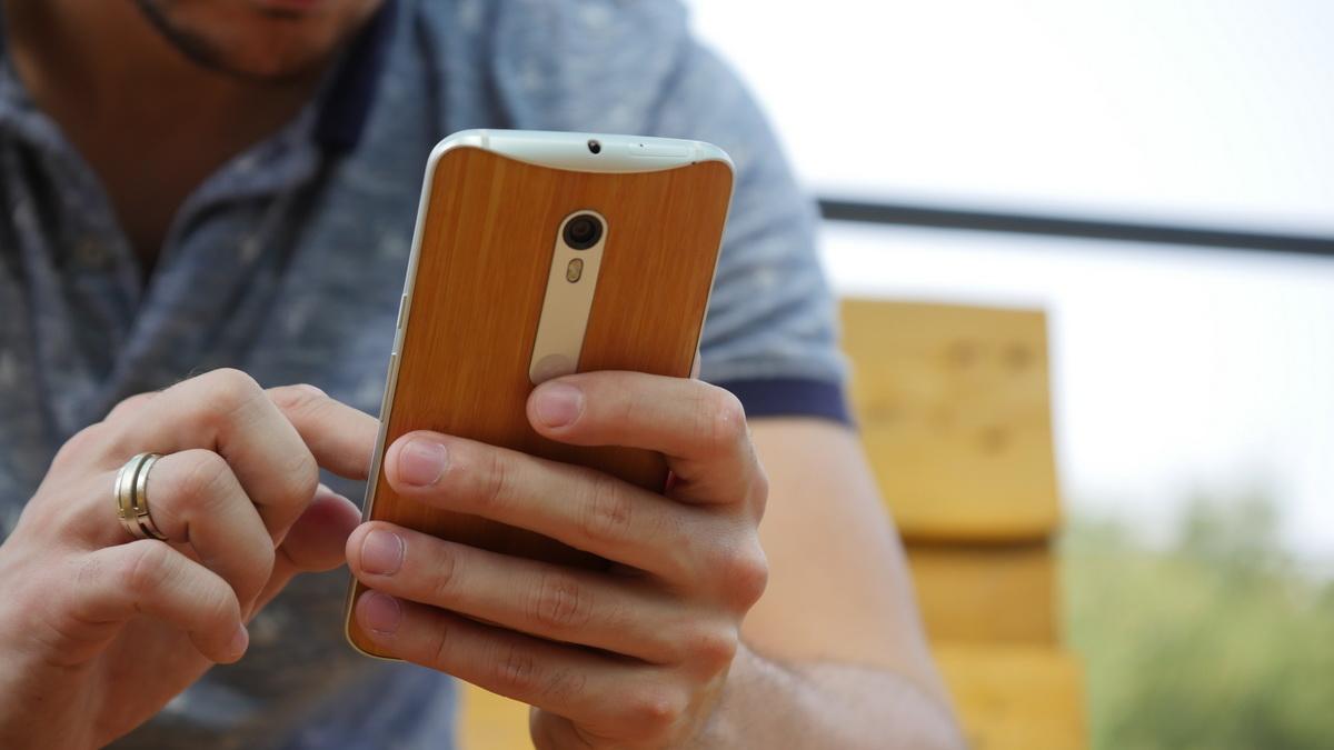 Motorola Moto X Style-эргономичность