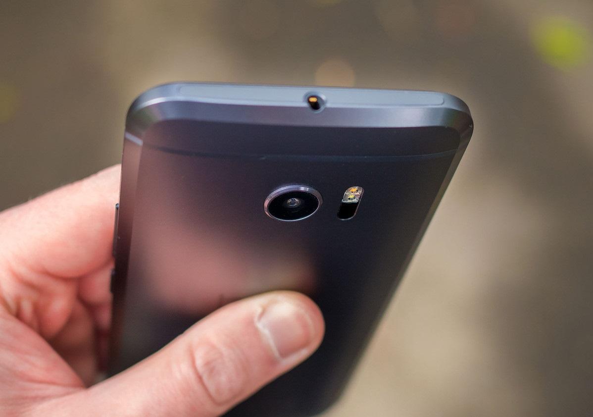 Обзор нового флагмана HTC 10 - верхний торец