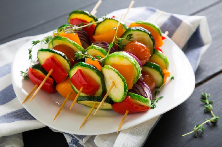 Овощная нарезка-меню для пикника