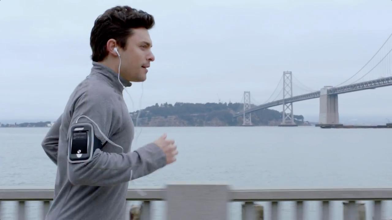 бег со смартфоном