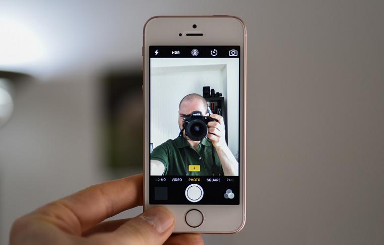 фото iPhone SE-фронтальная камера