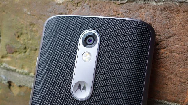 Папка «Фото», Motorola Moto X Force- Вид сзади