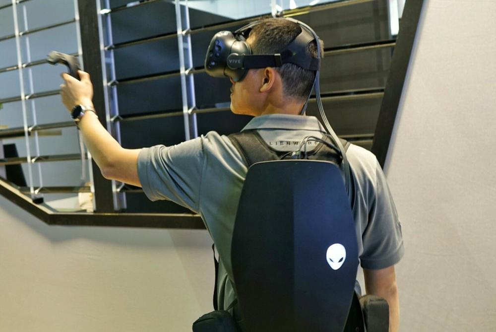 Alienware показала концепт рюкзака для виртуальной реальности - главное фото