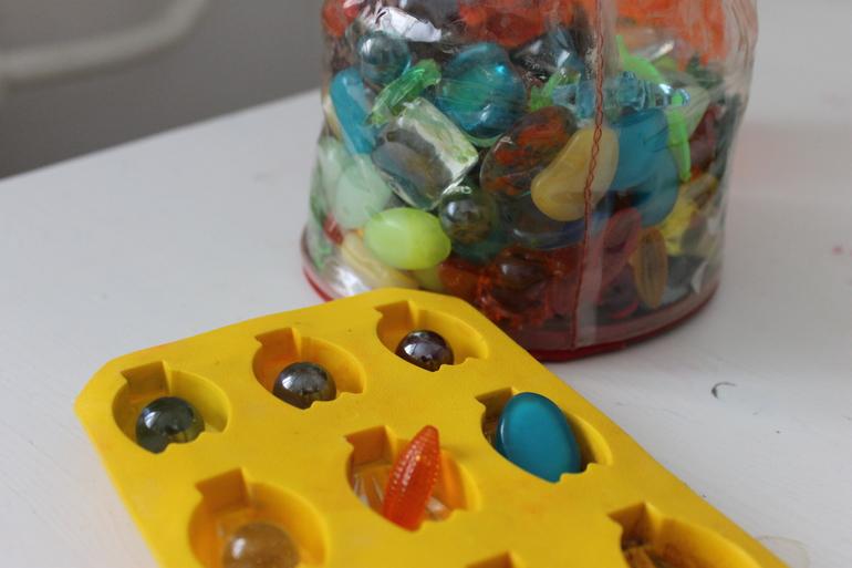 Игры с детьми-применение формочки для льда