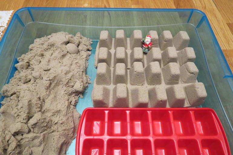 Игры с песком-фото
