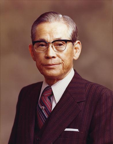 Как развивалась компания Samsung с момента основания и до наших дней - Ли Бён Чхоль (2)