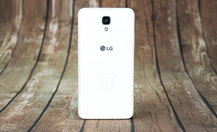 Папка «Фото», LG X View-3 Задняя панель