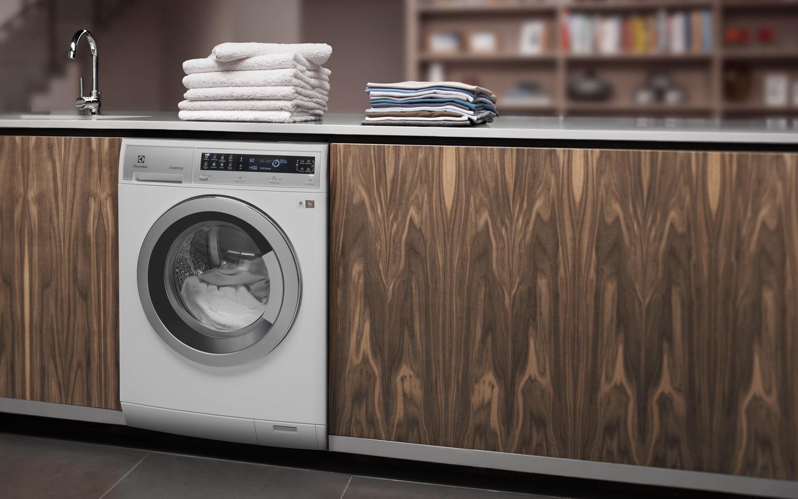 Разбираемся в брендах_стиральные машины - стиральная машина electrolux на кухне