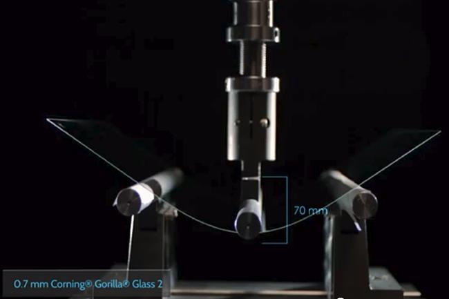 Все что нужно знать о Corning Gorilla Glass - Проверка на гибкость