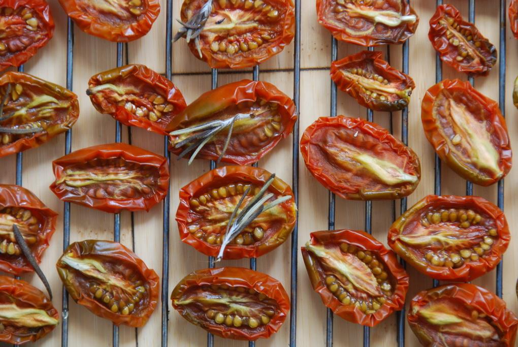 Вяленые помидоры-фото