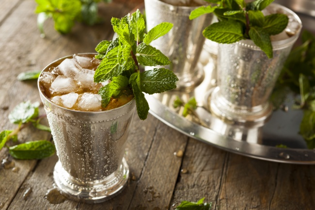 Холодный чай с мятой-вариант подачи напитка