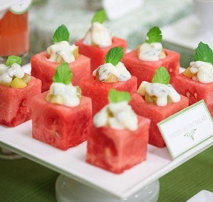 Кусочки арбуза-канапе
