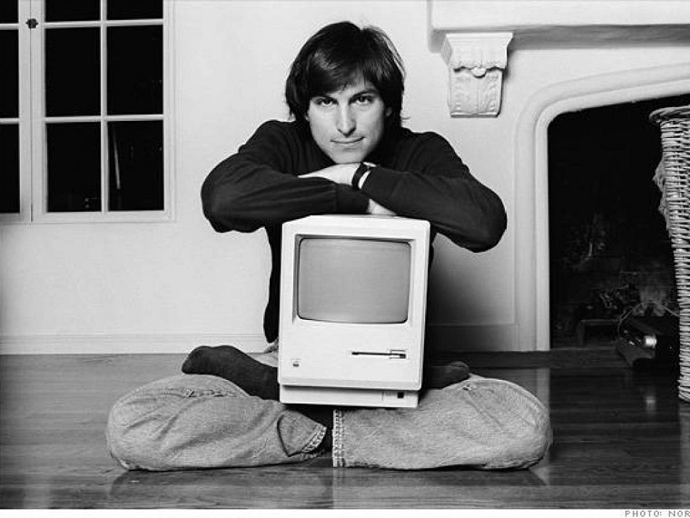 Папка «Фотографии», фото Стив Джобс и его компьютер Apple-II. Стив Джобс и его компьютер Apple-II (1977)