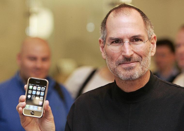 Папка «Фотографии», фото Стив Джобс-презентация первого iPnone