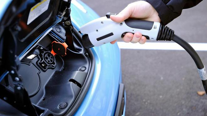 Владельцам электромобилей в Украине будут доплачивать - фото 1