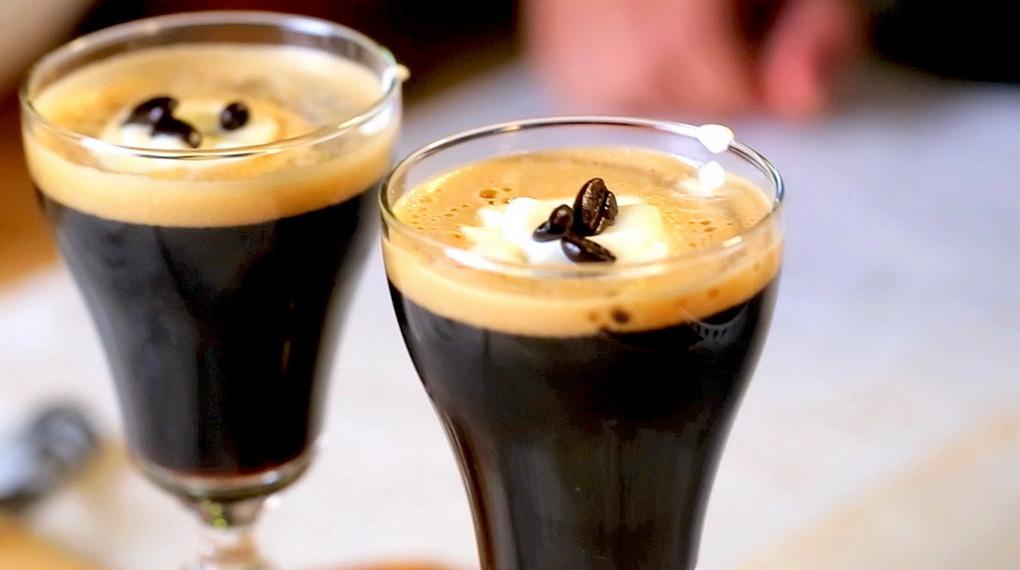 Кофейное пиво-вариант подачи