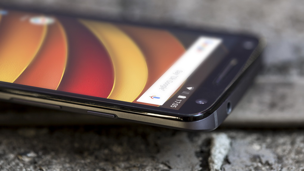 Motorola Moto X Force-экран