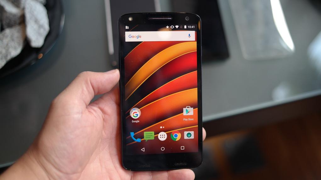 Motorola Moto X Force-гаджет в руках