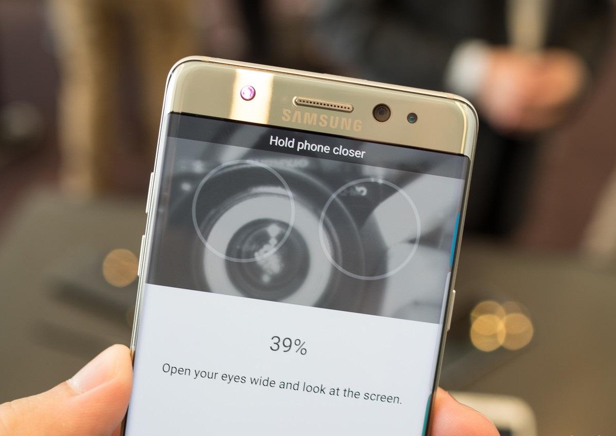 Предварительный обзор Samsung Galaxy Note 7 - Сканер радужной оболочки глаза