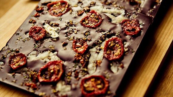 Шоколад с вялеными помидорами-новые рецепты