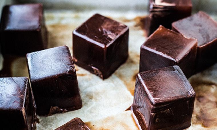 Шоколадные кубики-ингредиенты коктейлей