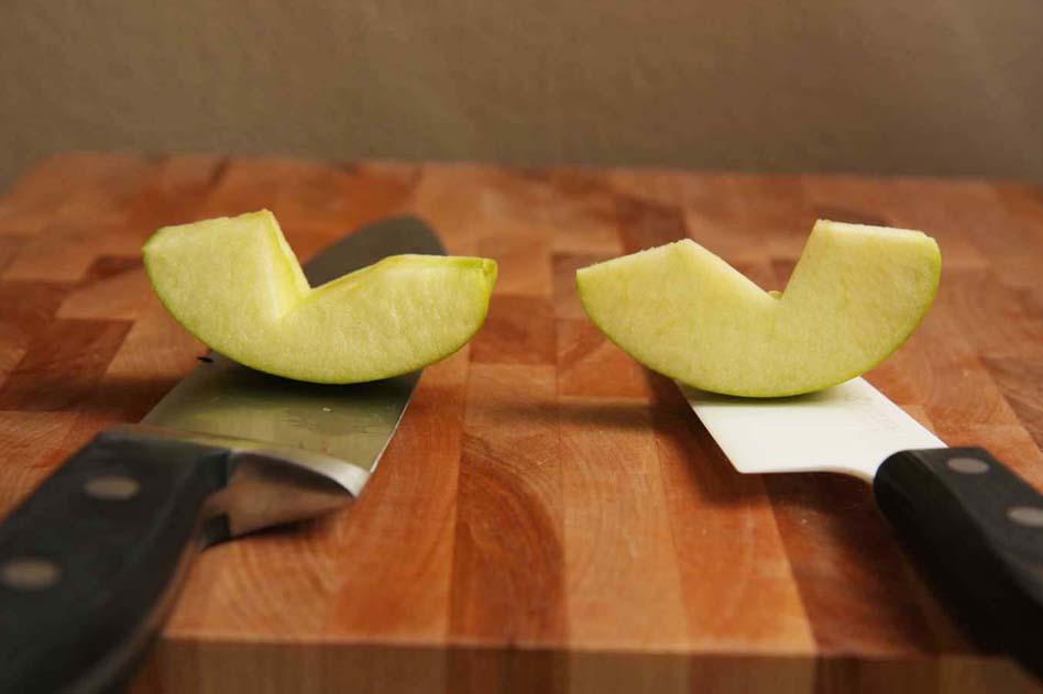 Тест керамических и металлических ножей-На примере яблока Свежий разрез