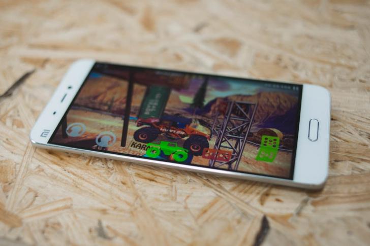 Xiaomi Mi5- 3 Дисплей