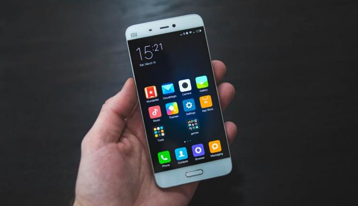 Xiaomi Mi5- 5 Дисплей