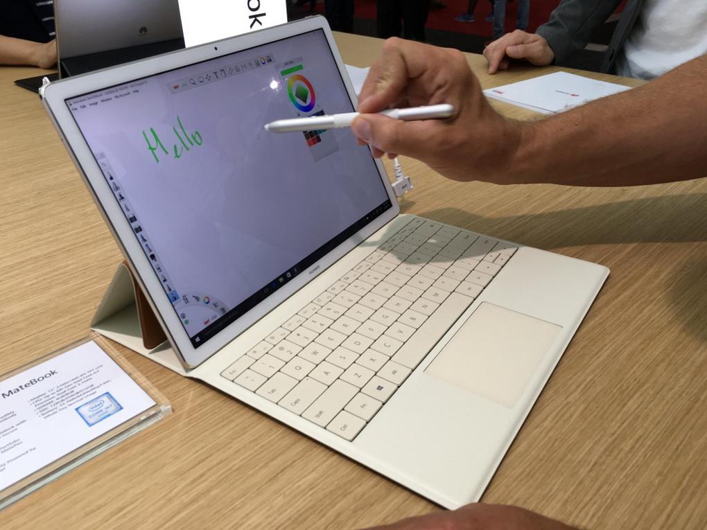 Huawei MateBook-в работе