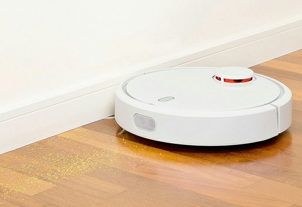 kompaniya-xiaomi-predstavila-umnyjj-robot-pylesos-mi-robot-vacuum-foto-1