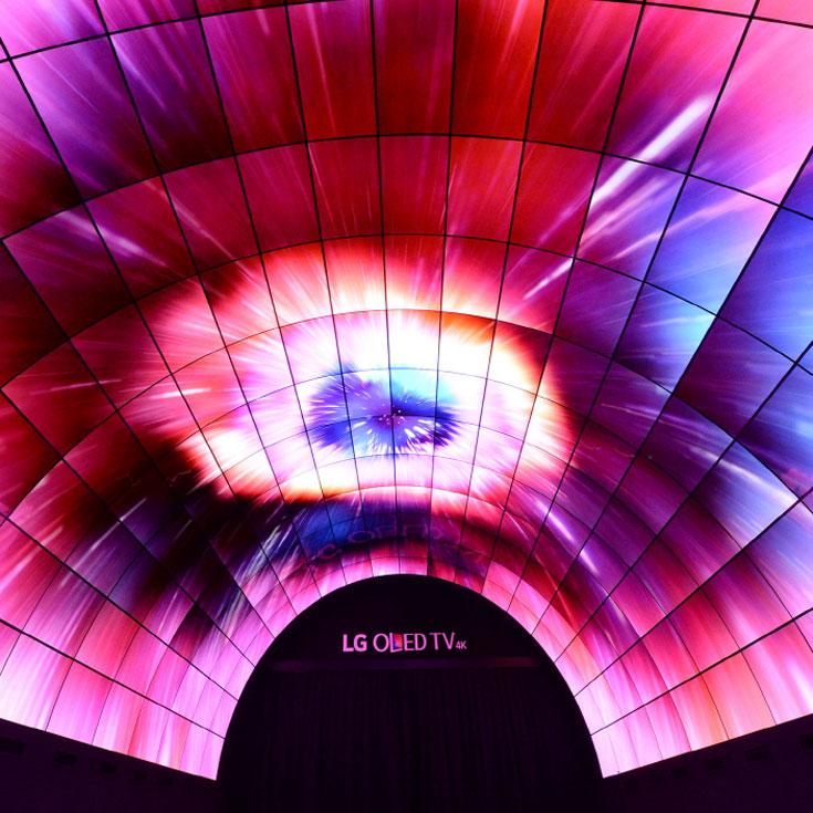 LG на IFA-2016-OLED-тоннель