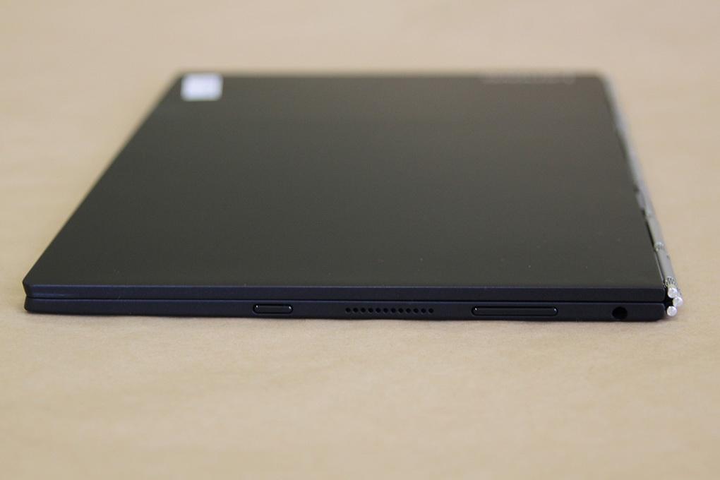 Lenovo YOGA BOOK-толщина корпуса фото 2