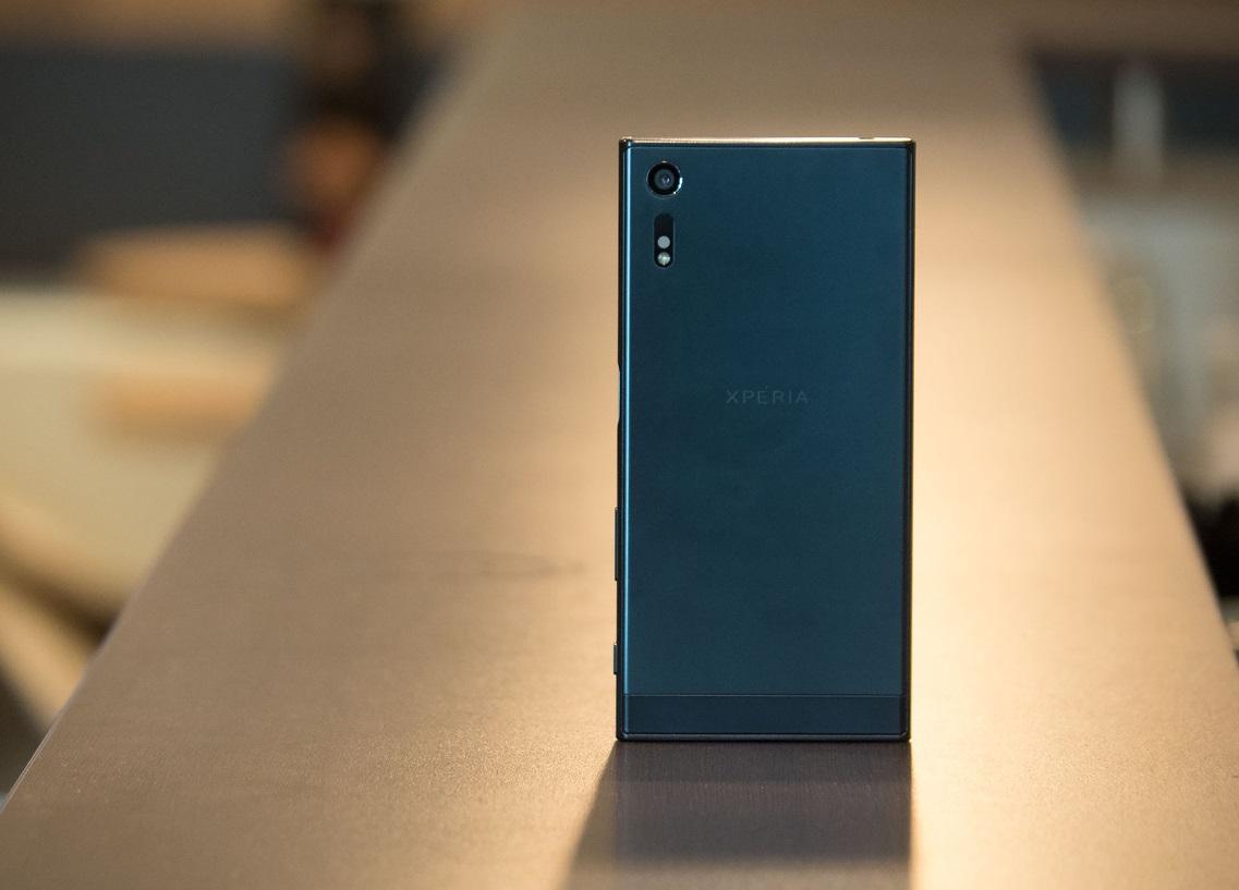 obzor-smartfona-sony-xperia-xz-vozvrashhenie-flagmana-dizajjn-i-zhelezo