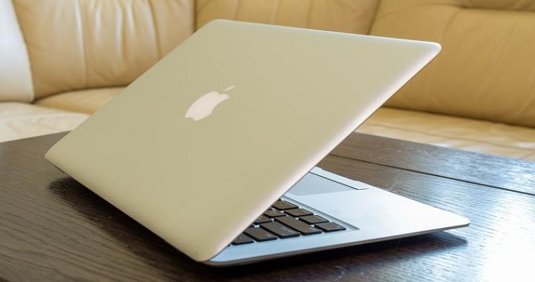 Разбираемся в брендах_ноутбуки – ноутбук apple на столе