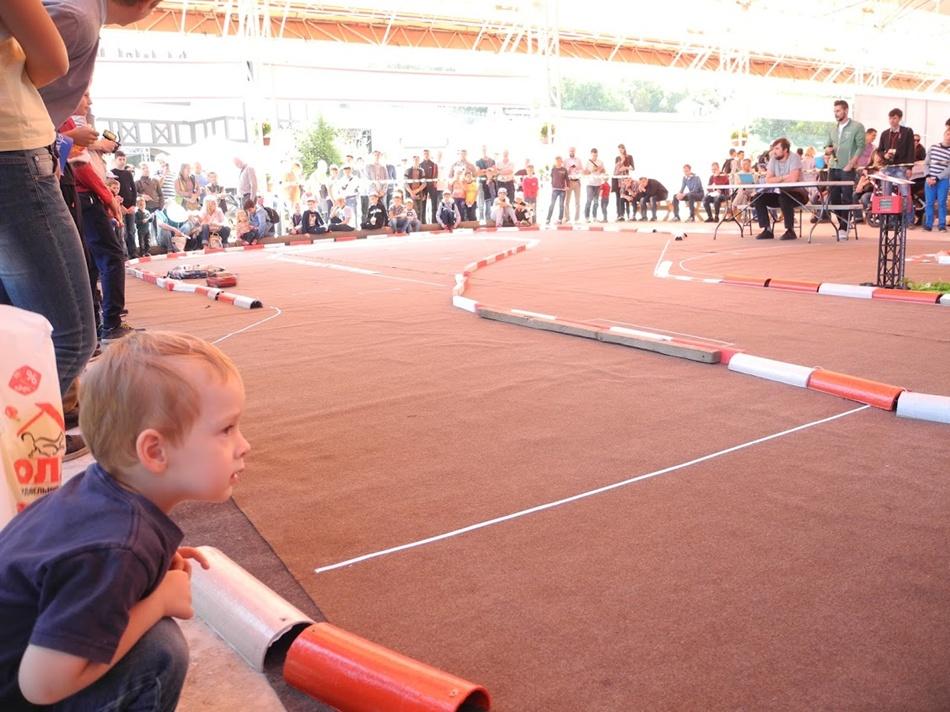 v-dnepre-proshel-festival-innovacionnykh-tekhnologijj-interpipe-techfest-drift-cup